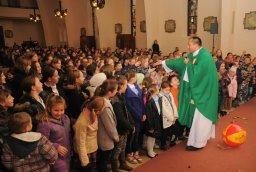 Spotkanie Podwórkowych  Kół   Różańcowych  Dzieci w  parafii  Świętej Rodziny